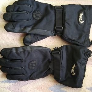 Snow boarding gloves.
